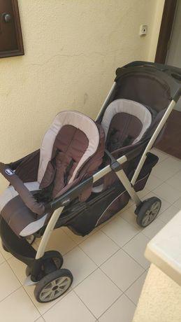 Carro de passeio gémeos