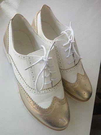 Новые туфли с перфорацией оксфорды лоферы броги ботинки на низком ходу