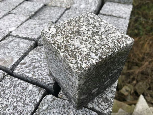 Kostka naturalna cięta granitowa SJENIT