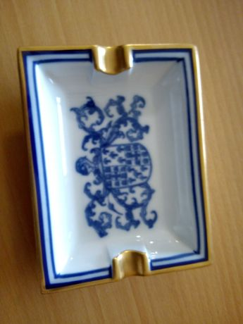 Cinzeiro azul das porcelanas Spal