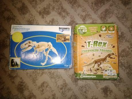 Brinquedo dinossauros