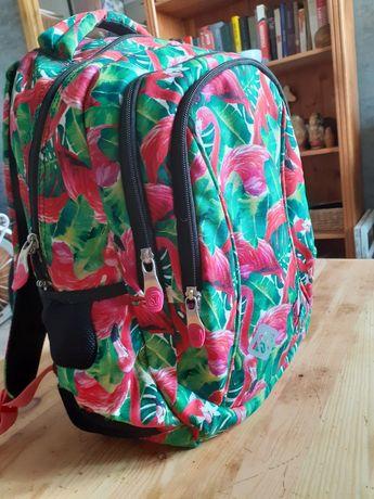 Plecak dziewczęcy /jak nowy /