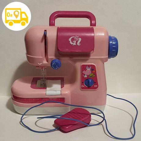 Детская игрушечная электрическая швейная машинка на батарейках педаль