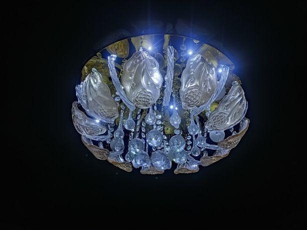 Люстра с 6 лампочками по 6Вт