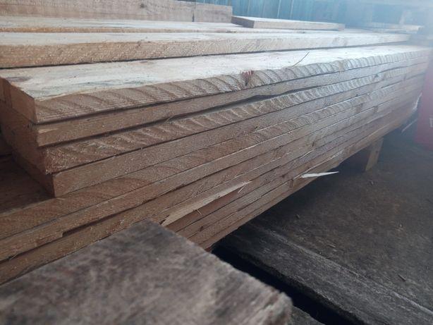 Deski drewniane.