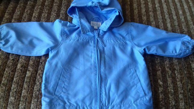 Детская куртка для 6-8 месяцев в середине сеточка, не будет парить.