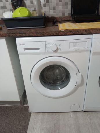 Máquina lava roupas.  Westwood
