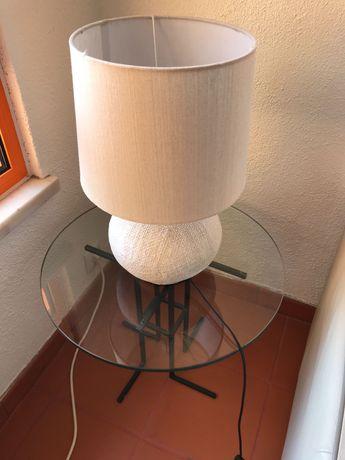 Mesa de apoio redonda