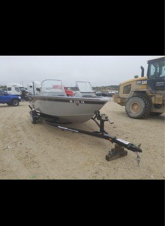 Лодка Tracker targa v185