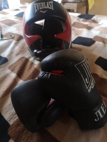 Срочно! Шлем боксёрский XL, перчатки.