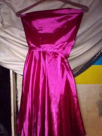 Атласное платье можно на выпускной