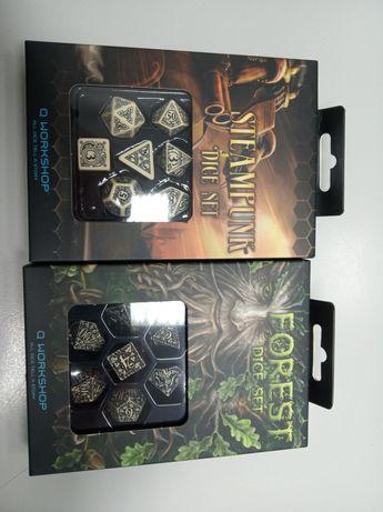 Dwa zestawy kości do gier RPG