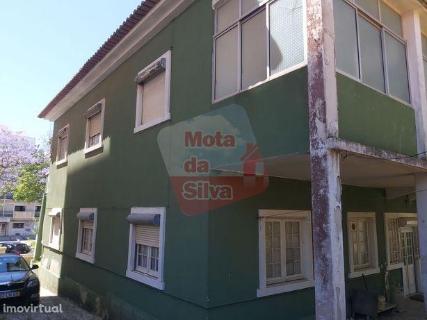 Excelente Moradia no centro de Almada