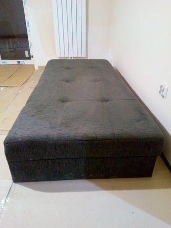 Łóżko jednoosobowe, tapczan