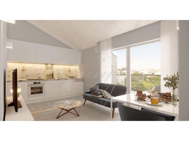 Apartamento T0+1 com Varanda – Fração C – Praia da Frente...
