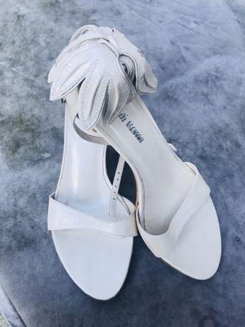 Buty z kwiatem na ślub i nie tylko rozmiar 36 nowe