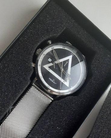 Часы механические наручные, новые, треугольние, мужские,  женские