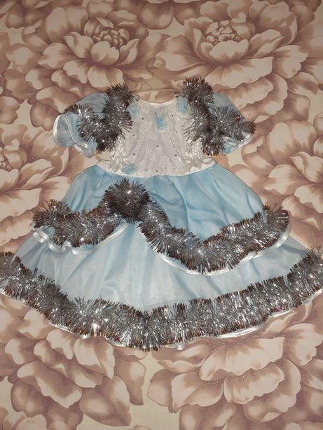 Продам платья и костюмы для девочек и мальчиков.