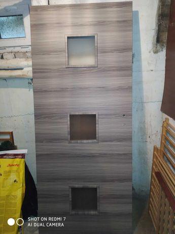 Nowe szare drzwi 80 lewe + nowa klamka