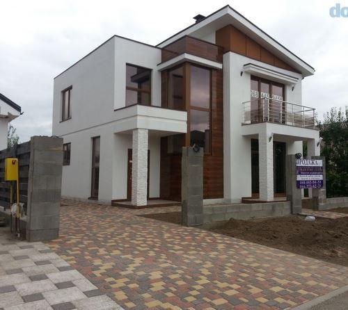 Дом с террасой 199 кв.м. 6 соток земли, улица с охраной. Борщаговка