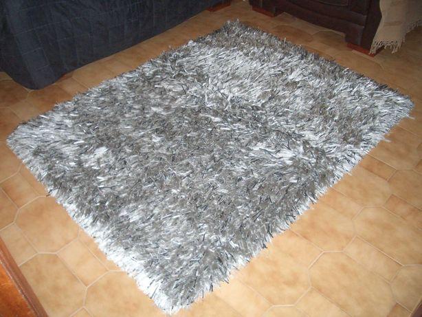 Duas Carpetes de quarto brilhantes cinza