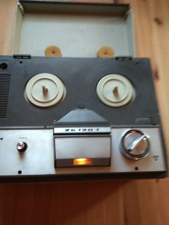 Magnetofon szpulowy ZK 120 T.