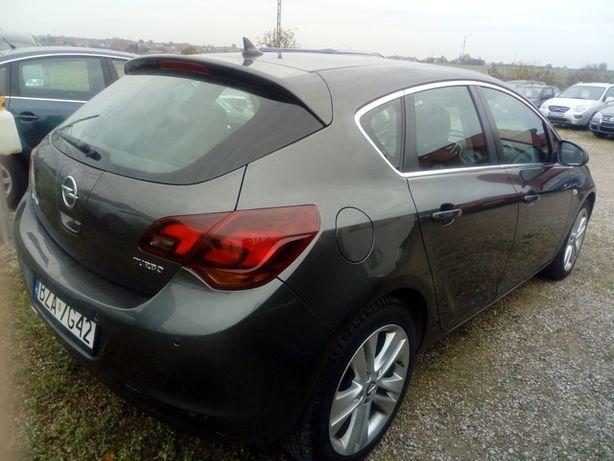 Opel Astra 2010r.1.6 +GAZ,180 KM.175 tys.km