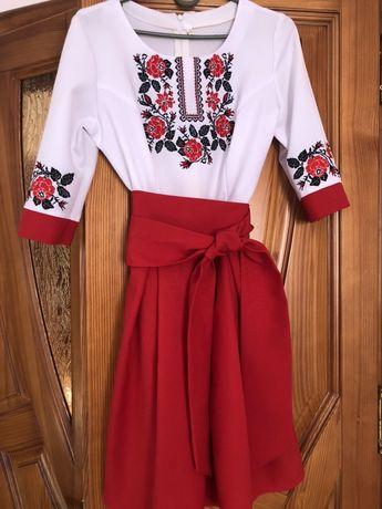 Продам вишиване плаття