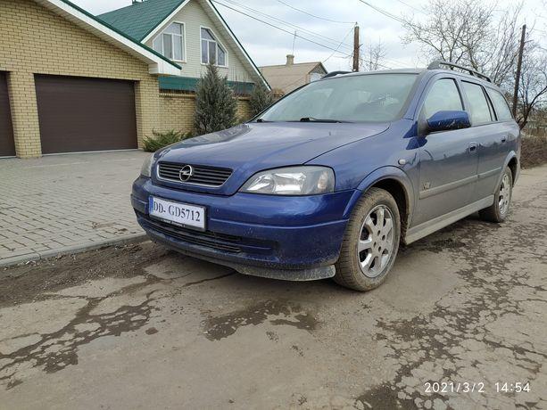 Opel Astra 1.6 бензин 2004 год