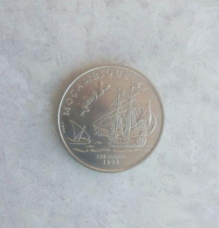 """Moeda 200$00 de coleção comemorativa """"Moçambique"""""""