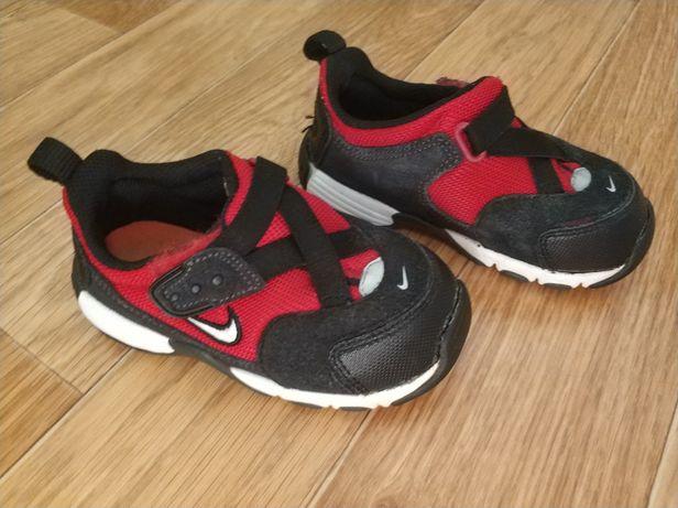 Buty sportowe Nike roz 25