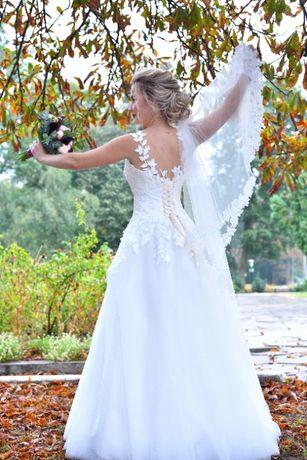 Весільна сукня, стан ідеальний, вдягала 1раз, в подарунок чохол,кільце