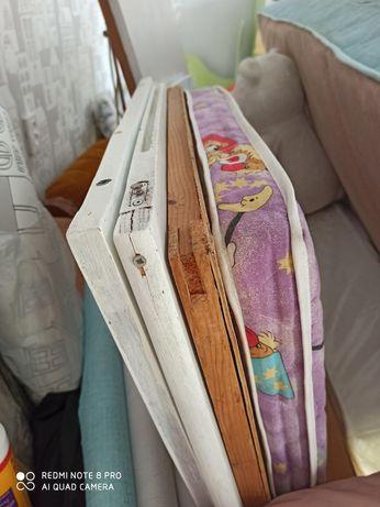 Кроватка детская на колесиках, матрас