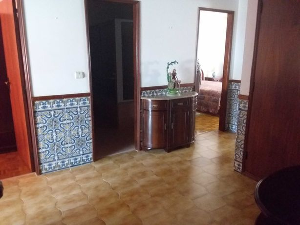 Vende-se Excelente Apartamento MOBILADO em Alverca