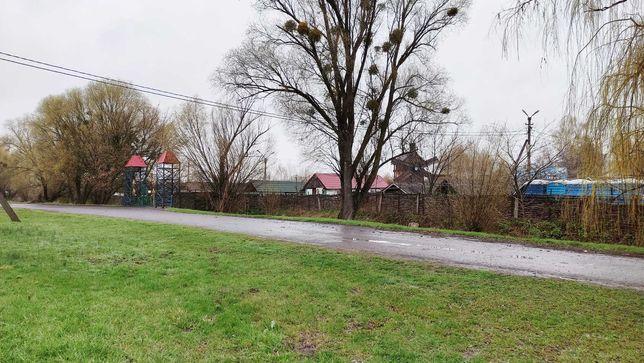 Двор, земля, участок возле бокового входу в Сорочинский ярмарок