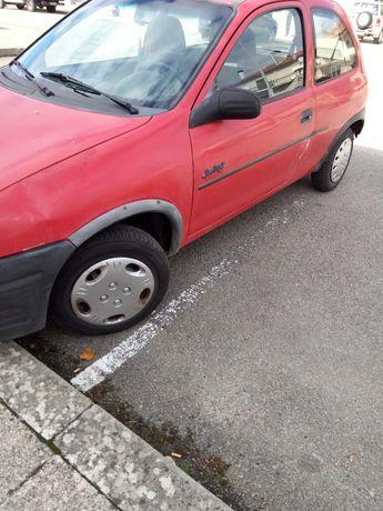 Opel corsa bom estado geral
