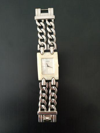 Продам часы женские Guess оригинал