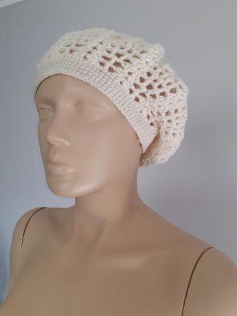 Beret -czapka ręcznie robiona na szydełku