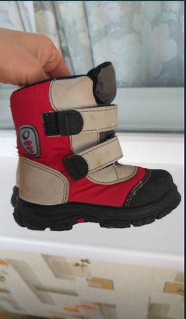 Детские ботинки на липучках