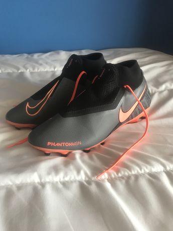 Chuteiras Nike Phantom novas