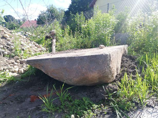 Stół kamienny kamień ozdobny