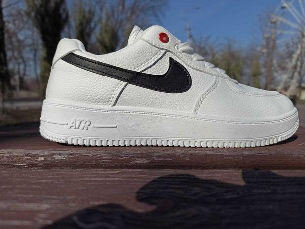 Женские кроссовки Nike Air force 1 белые с ромашкой
