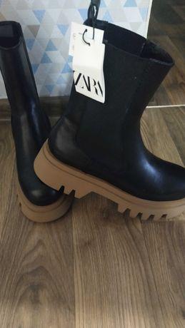 Ботинки Zara женские