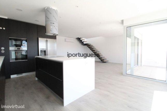 Duplex T3+1  novo de luxo para toda a família com Terraço no Montijo
