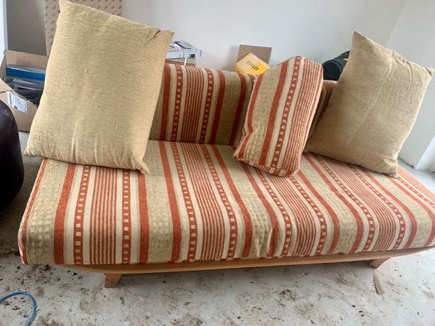 Tapczan , sofa w bardzo dobrym stanie