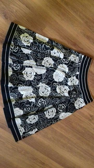 spódnica w róże r.38