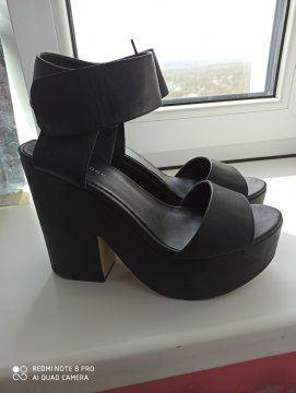 Туфли босоножки для девушки 38р. Как новые!!!