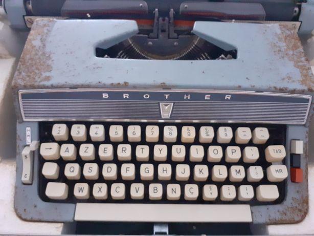Máquina Escrever Antiga-Brother
