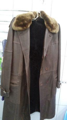 Кожаное пальто, натуральная цигейковая подстежка, воротник мех цигейка