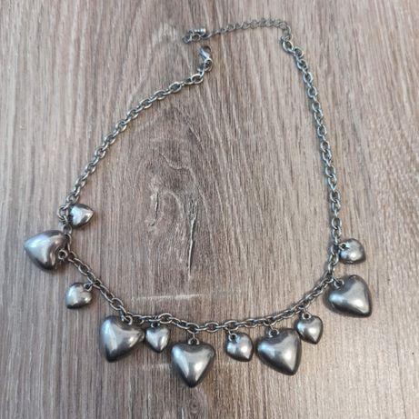Naszyjnik kolia ze srebrnym serduszkami